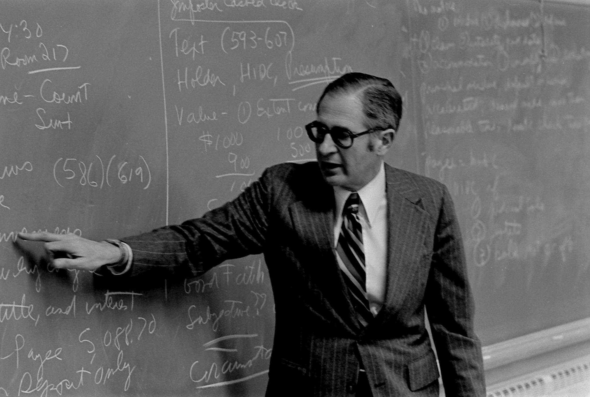 Business Law Professor Edwin Tucker delivers a lecture in 1978.